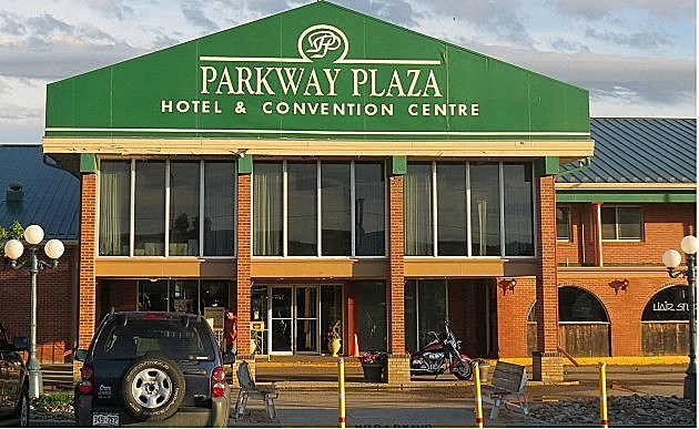UPDATE: 50 Laid Off as Casper's Parkway Plaza Closes For 6 Months